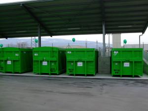 Apertura isola ecologica Affi progetto riciclaggio scuola primaria
