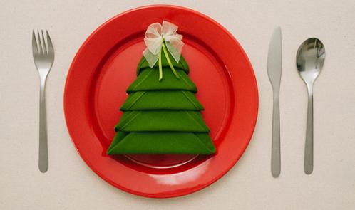 Piegare i tovaglioli di carta per Natale