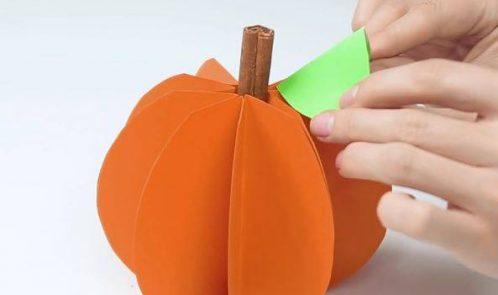 Come realizzare una zucca con il cartoncino