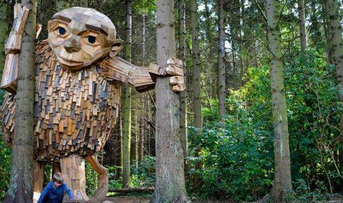 Piccolo Tilde, gigante in legno riciclato